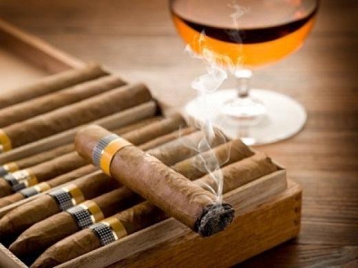 Có thể giới trẻ vẫn còn nhầm lẫn rằng xì gà ít nguy hiểm hơn và ít gây nghiện hơn thuốc đá điếu.