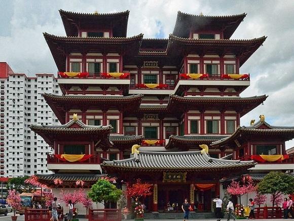 Singapore không chỉ hiện đại. Văn hóa Trung Hoa truyền thống vẫn còn hiện hữu tại khu Chinatown.