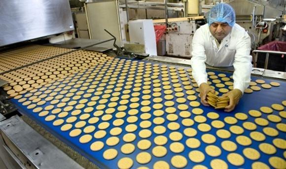 Tập đoàn Universal Robina mua lại Griffin's – công ty bánh kẹo của New Zealand.