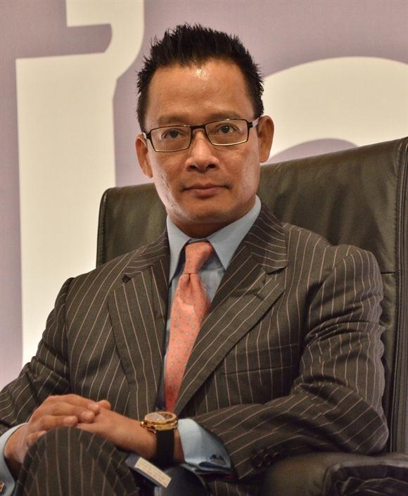 Chuyen gia dau tu Nguyen Nam Son mo loi di rieng