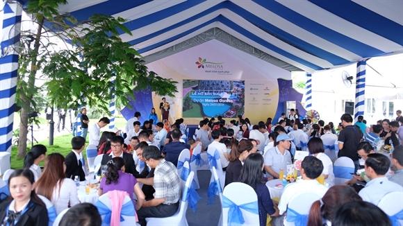 Hon 300 khach hang tham du mo ban Giai doan II Melosa Garden