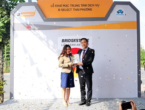 Bridgestone Viet Nam - Thach thuc cua nguoi dan dau