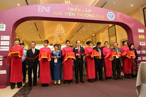 Hon 1.300 doanh nhan tham du Hoi Ngo Dinh Cao 2017