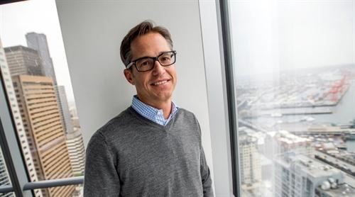 Chan dung CEO moi cua Uber: Dara Khosrowshahi, trum M&A nganh du lich