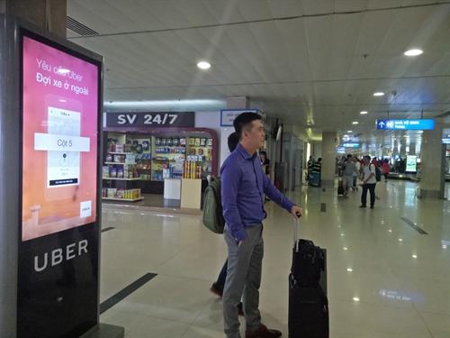"Sep moi cua Uber Viet Nam: ""Chung toi khong de kinh doanh bi anh huong!"