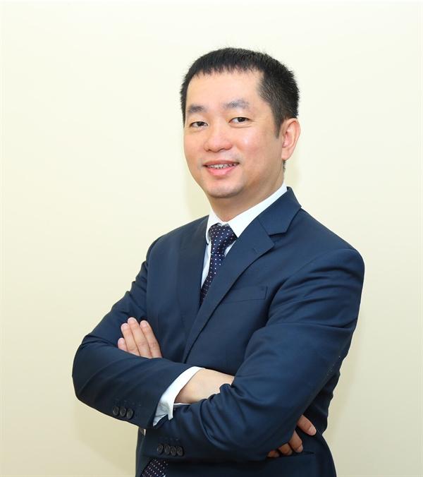 Eximbank bo nhiem Pho Tong giam doc, quyet dau tu core banking