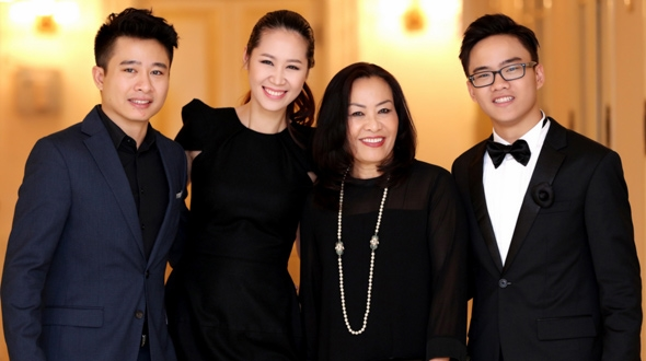 Cau be vang Piano Nguyen Viet Trung se ve nuoc bieu dien