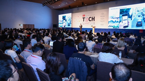 TechSummit  2018: Cong nghe thay doi kinh doanh