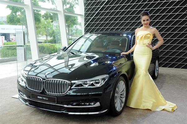 Thaco va BMW to chuc Ngay hoi o to, xe may dau tien o Viet Nam