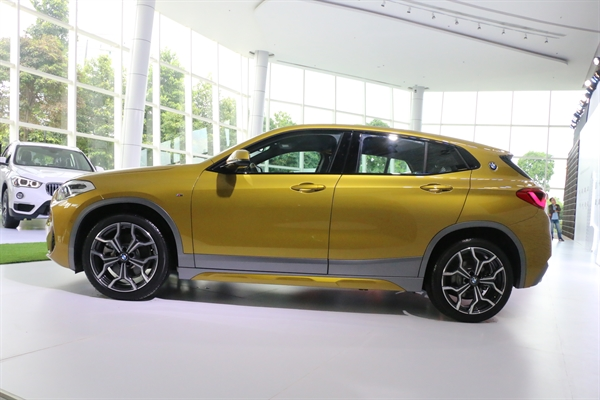 Mau xe gia dinh BMW X2
