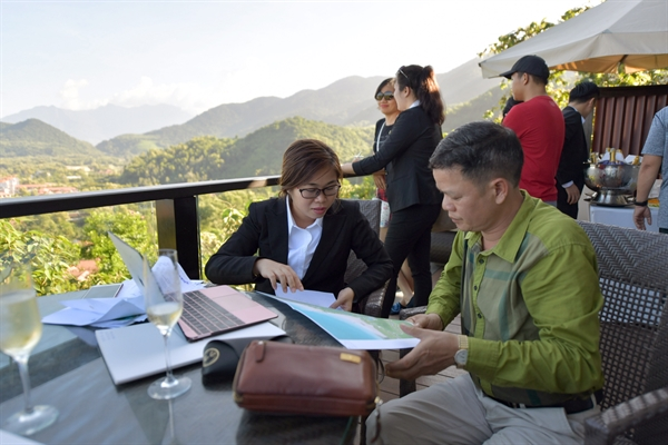 Ra mat biet thu mau Banyan Tree Residences