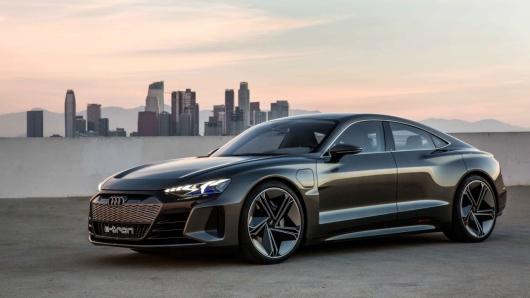 Audi vua tiet lo thach thuc doi voi mau Tesla S
