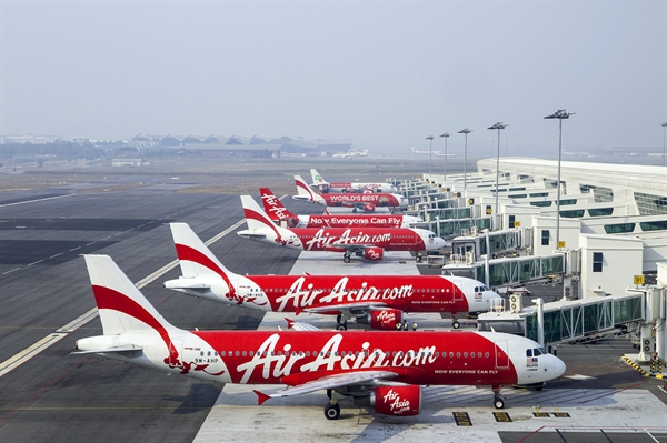 Air Asia muon so canh cung VietJet?