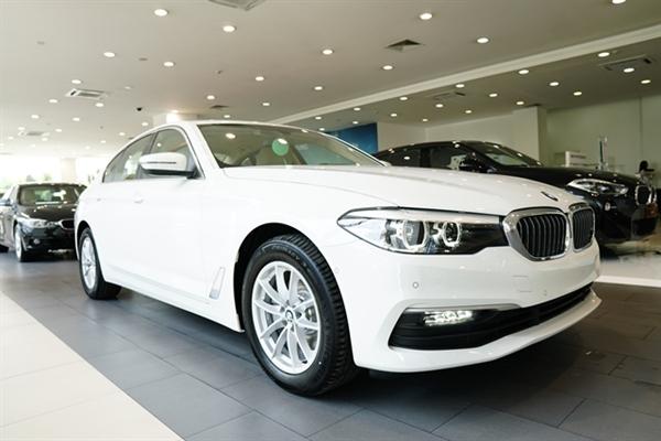 BMW Series 5 hoan toan moi da co mat tai Viet Nam