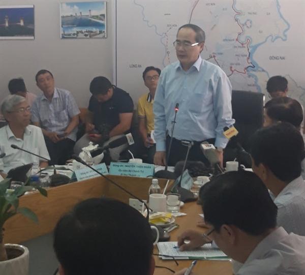 Bi thu Nguyen Thien Nhan thuc dia du an chong ngap 10.000 ti dong