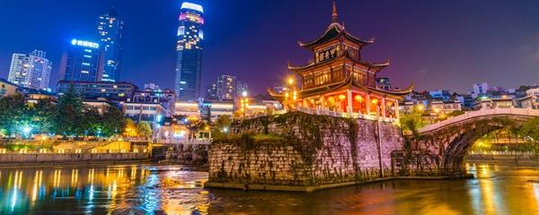 Các thành phố của Trung Quốc chi mạnh cho các chương trình ánh sángNguồn ảnh: thetimes