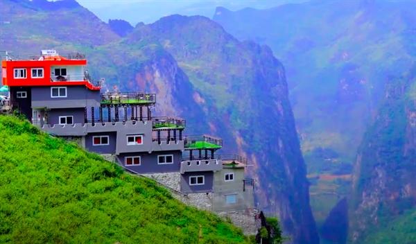 Tòa nhà trái phép tại Mã Pí Lèng, tỉnh Hà Giang. Ảnh: vietnammoi