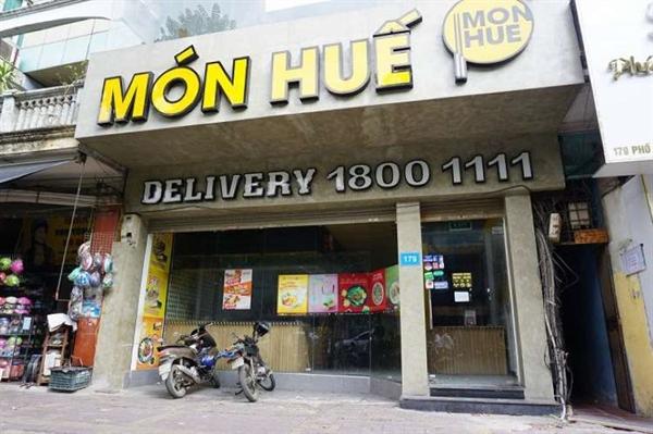 Chuỗi nhà hàng Món Huế đã bất ngờ đóng cửa hàng loạt cửa hàng vào chiều 22/10. Ảnh: kienthuc.vn