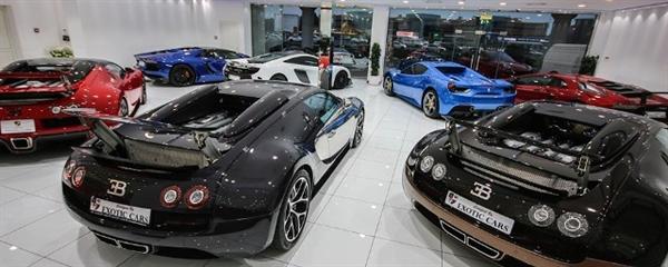 Một garage bình thường tại Dubai cũng có thể trưng bày 3 chiếc Bugatti Veyron. Ảnh: Topgear.