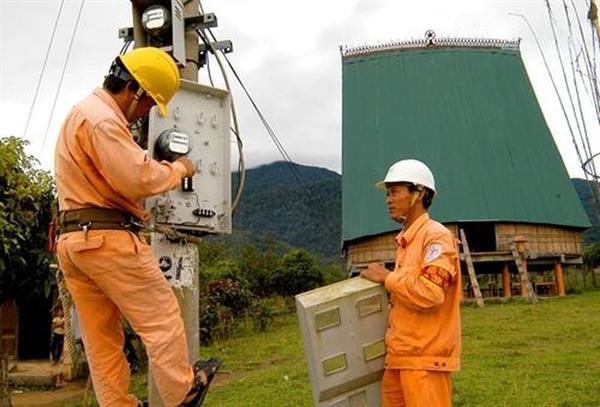 Nhu cầu sử dụng điện tăng lên trong khi nguồn cung có dấu hiệu giảm sút là một khó khăn mà Việt Nam đang phải đối mặt.