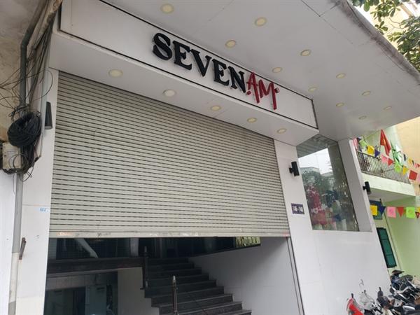 Trước IFU, hãng thời trang SEVEN.am bị tố sử dụng nhiều sản phẩm nhập từ Trung Quốc nhưng được gắn mác thương hiệu Việt Nam. Lực lượng quản lý thị trường kiểm tra và thu giữ nhiều sản phẩm tại hệ thống SEVEN.am ở Hà Nội. Hiện, loạt cửa hàng này vẫn đang đóng cửa, chờ kết luận cuối cùng của cơ quan chức năng.