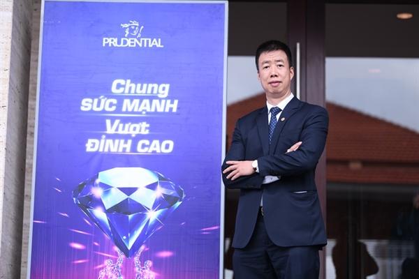 Anh Khuất Thành Dũng (GĐ VP TĐL Prudential tại Hà Nội).