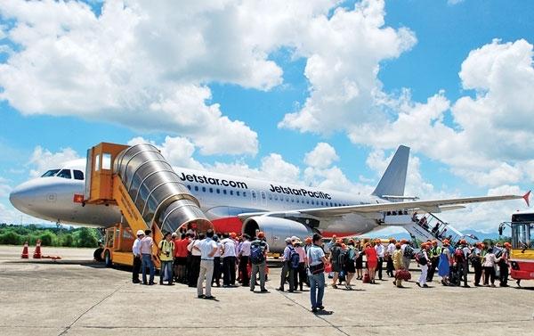 Nhu cầu du lịch tăng cao thúc đẩy hàng không phát triển. Ảnh: baovanhoa.vn