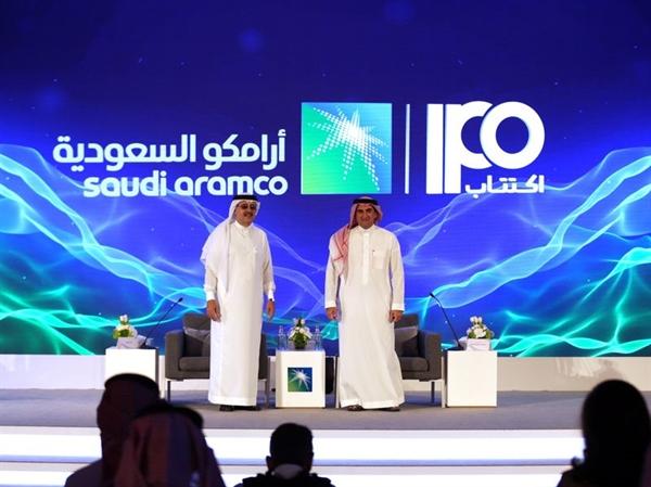 Yasir Al-Rumayyan, phải, và Aramco, CEO Amin Nasser, nghĩ rằng IPO sẽ khá dễ dàng.