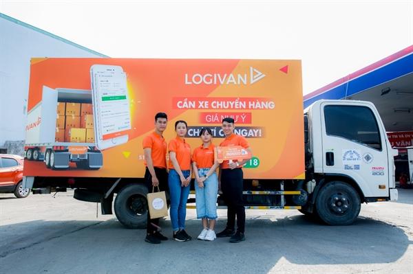 LOGIVAN đang từng bước công nghệ hóa ngành vận tải đường bộ với hai sản phẩm cốt lõi là ứng dụng LOGIVAN Chủ Hàng và LOGIVAN Chủ Xe.