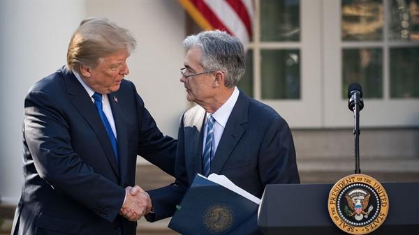 Tổng thống Trump và Chủ tịch FED Jerome Powell