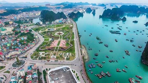 Bắc Vân Phong từng rơi vào sốt đất khi có thông tin quy hoạch thành đặc khu kinh tế. Ảnh:
