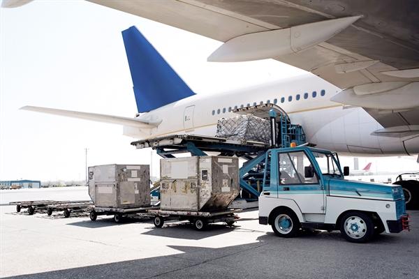 Dịch vụ mắt đất hàng không giúp việc vận chuyển hàng hóa tiết kiệm chi phí và thời gian