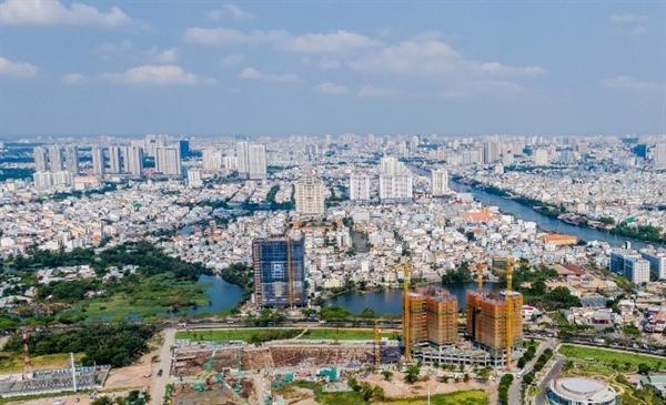 Thị trường bất động sản gặp khó, hàng loạt doanh nghiệp phá sản. Ảnh: vietnamnet.vn