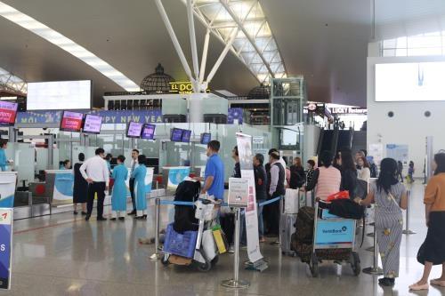 Trong năm 2019, Cảng HKQT Nội Bài đã phục vụ 190 nghìn lượt chuyến bay với hơn 29 triệu khách. Ảnh: TTXVN