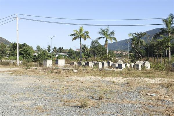 Công ty HLC đã vẽ ra hàng loạt dự án ma để bán đất nền cho người dân. Ảnh: baokhanhhoa.vn