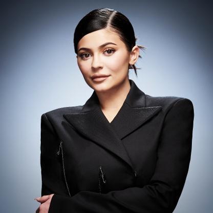 Kylie Jenner có công việc kinh doanh thuận lợi nhưng cũng có đời tư khá phức tạp.