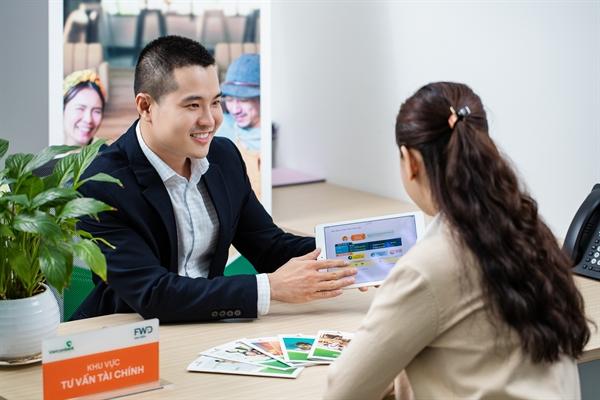 Cùng với 4 sản phẩm trên, khách hàng của Vietcombank có thể tham gia sản phẩm bảo hiểm dư nợ tín dụng cá nhân FWD Vững ước mơ và danh mục các sản phẩm bổ trợ gia tăng bảo vệ khác của FWD.