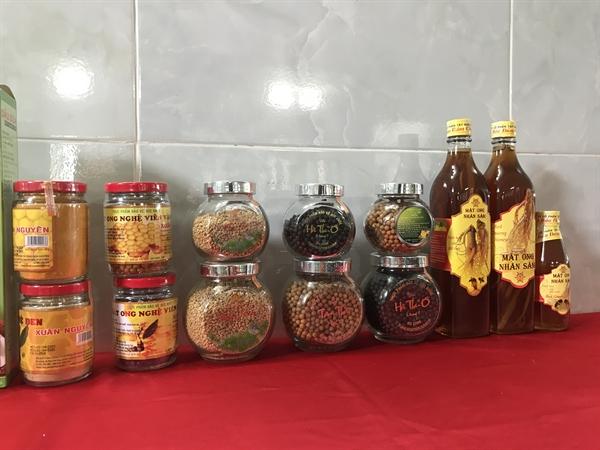 Một số sản phẩm mật ong của Công ty Cổ phần Tập đoàn Xuân Nguyên.