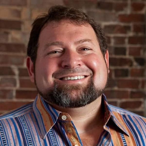 Ông Craig Handley, CEO & đồng sáng lập của Listen Up Español. Ảnh:ideamensch.com