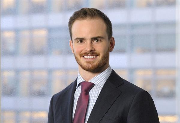 James Mansfield - nhà sáng lập, CEO của JGMansfield