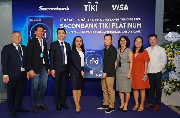 Sacombank Tiki Platinum còn tạo động lực thúc đẩy xã hội không tiền mặt.