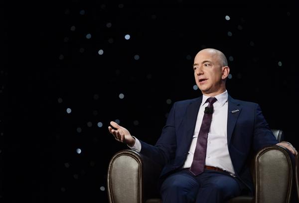 Tỉ phú Jeff Bezos.