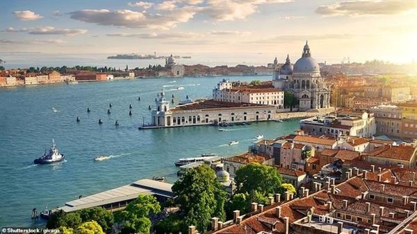 Dễ dàng nhận ra đây là Venice – một trong những thành phố biển nổi tiếng nhất thế giới.