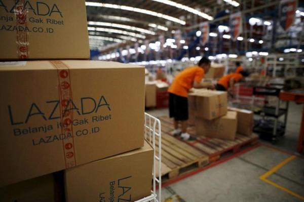Tại Malaysia, Lazada đã tiêu thụ đến 70 tấn rau củ chỉ trong 3 tuần. Ảnh: Reuters.