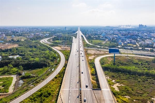 Cao tốc Long Thành - Dầu Giây một trong những đầu mối giao kết nối với sân bay Long Thành.