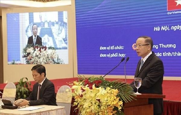 Chủ tịch SMEs Nguyễn Văn Thân phát biểu tại hội nghị. (Ảnh: TTXVN)
