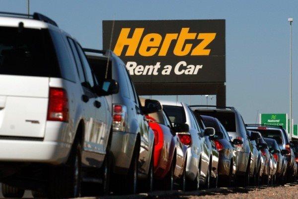 Công ty cho thuê xe Hertz vốn ngập trong nợ nần, giữa bối cảnh tình hình kinh doanh ế ẩm do COVID-19. Ảnh: Bloomberg