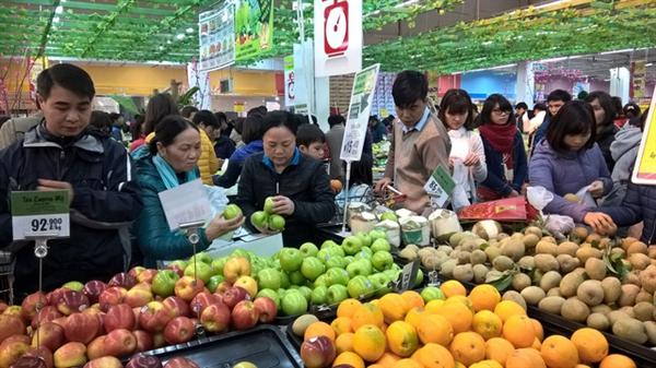 Tính đến hết tháng 3 năm nay, số lượng từng loại hình bán lẻ tại Việt Nam đã có sự thay đổi rõ rệt so với năm trước đó. Ảnh: Dân trí.