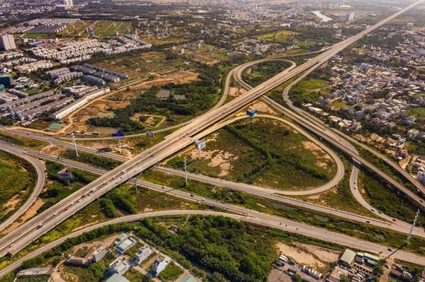 Sự phát triển về hạ tầng phía Đông cũng đang là cú hích làm tăng giá BĐS nơi đây