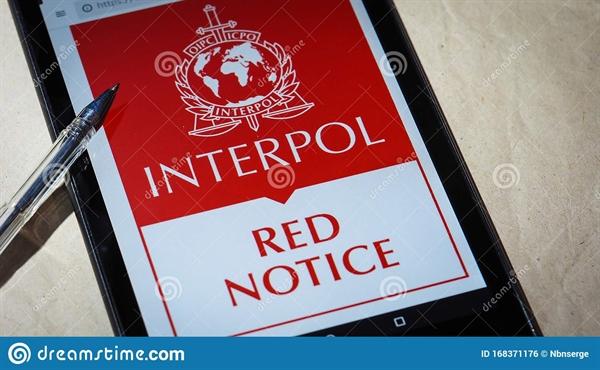 Lệnh truy nã đỏ của Interpol. Nguồn ảnh: Dreams Time